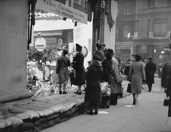 1939 london war sandbags